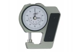 Mikrometrický tloušťkoměr 0-10mm, délka ramene 18mm, 0,01, se zdvihacím kolem a soustřednými ukazateli, otáčka 1mm (0718112)